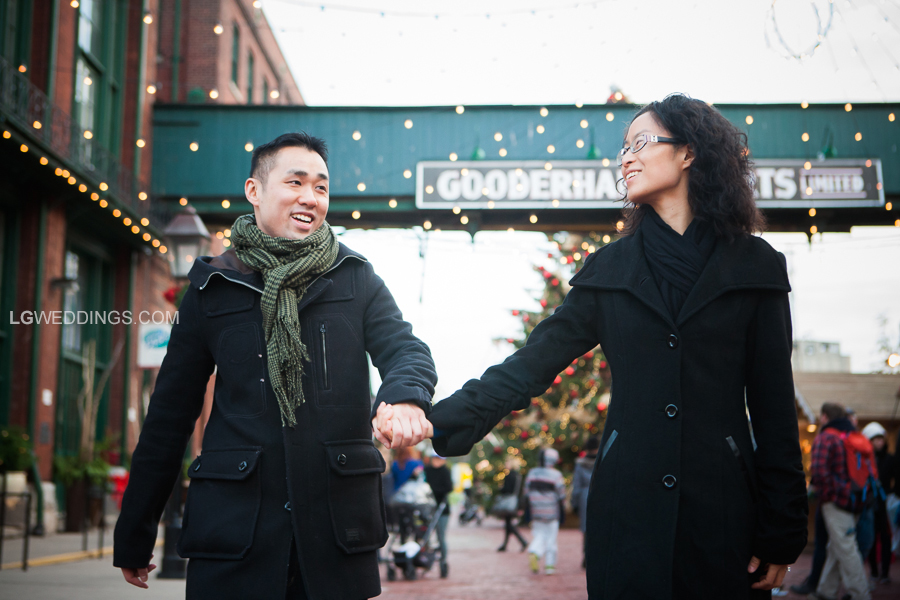 winter_christmas_market_distillery_district_engagement_session_003